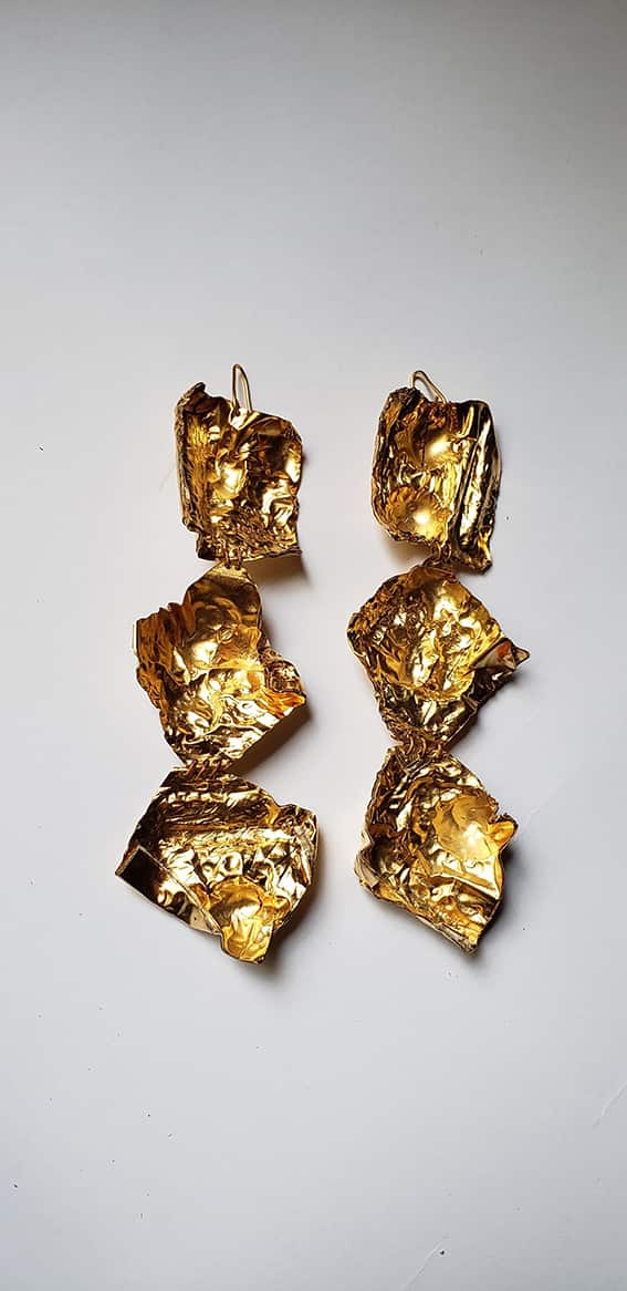 Action as Character - Shim Earrings Long